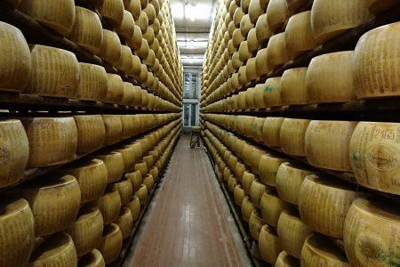 意大利芝士之王 Parmigiano-Reggiano - 拜訪芝士庫