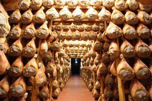 Parma Ham 地窖